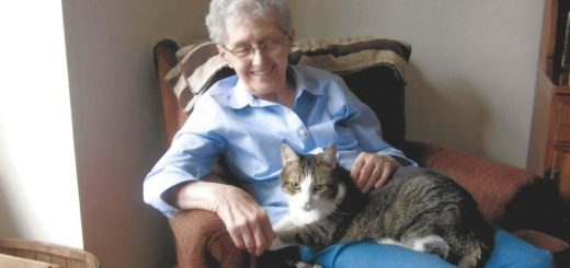 Featured-Elderly-Woman-Her-Cat-Inseperable